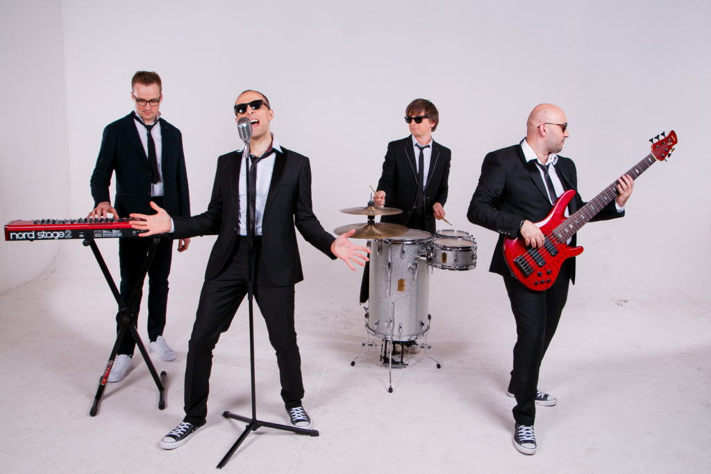 Кавер группа Radio Banda
